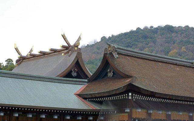 橿原神宮内拝殿と幣殿