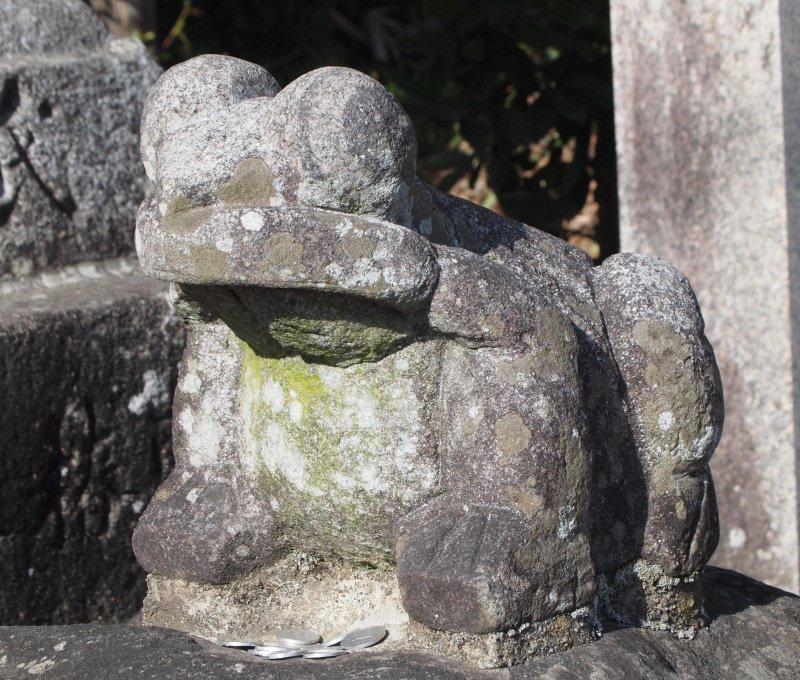 長尾神社なで蛙
