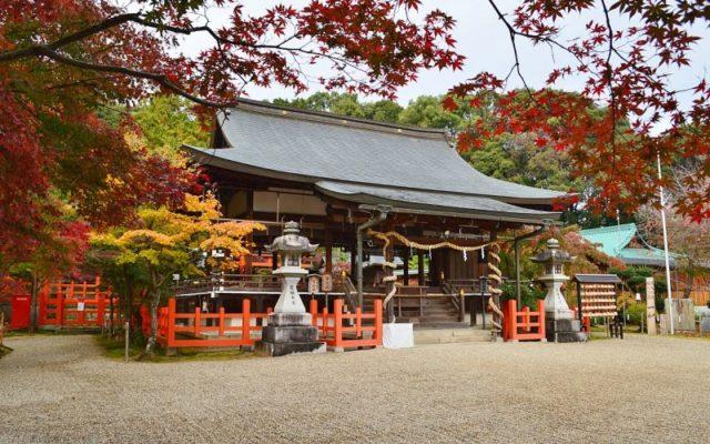 龍田大社拝殿